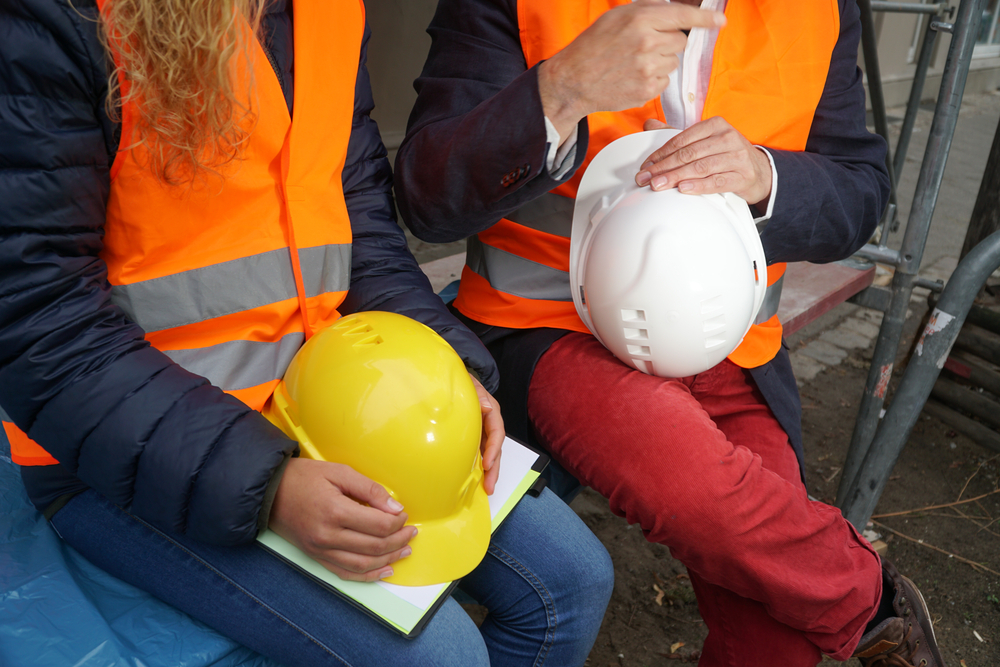 seguridad laboral en una fábrica